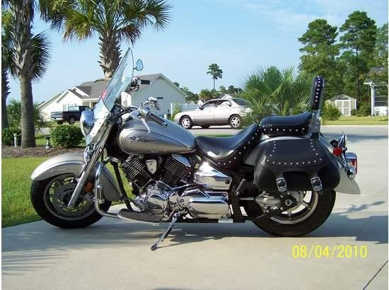 Showcase cover image for Freedom Fighter's 2006 Yamaha VStar 1100 Silverado
