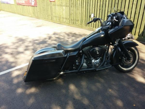 Showcase cover image for freeriderdave's 2000 Harley Davidson Road Glide